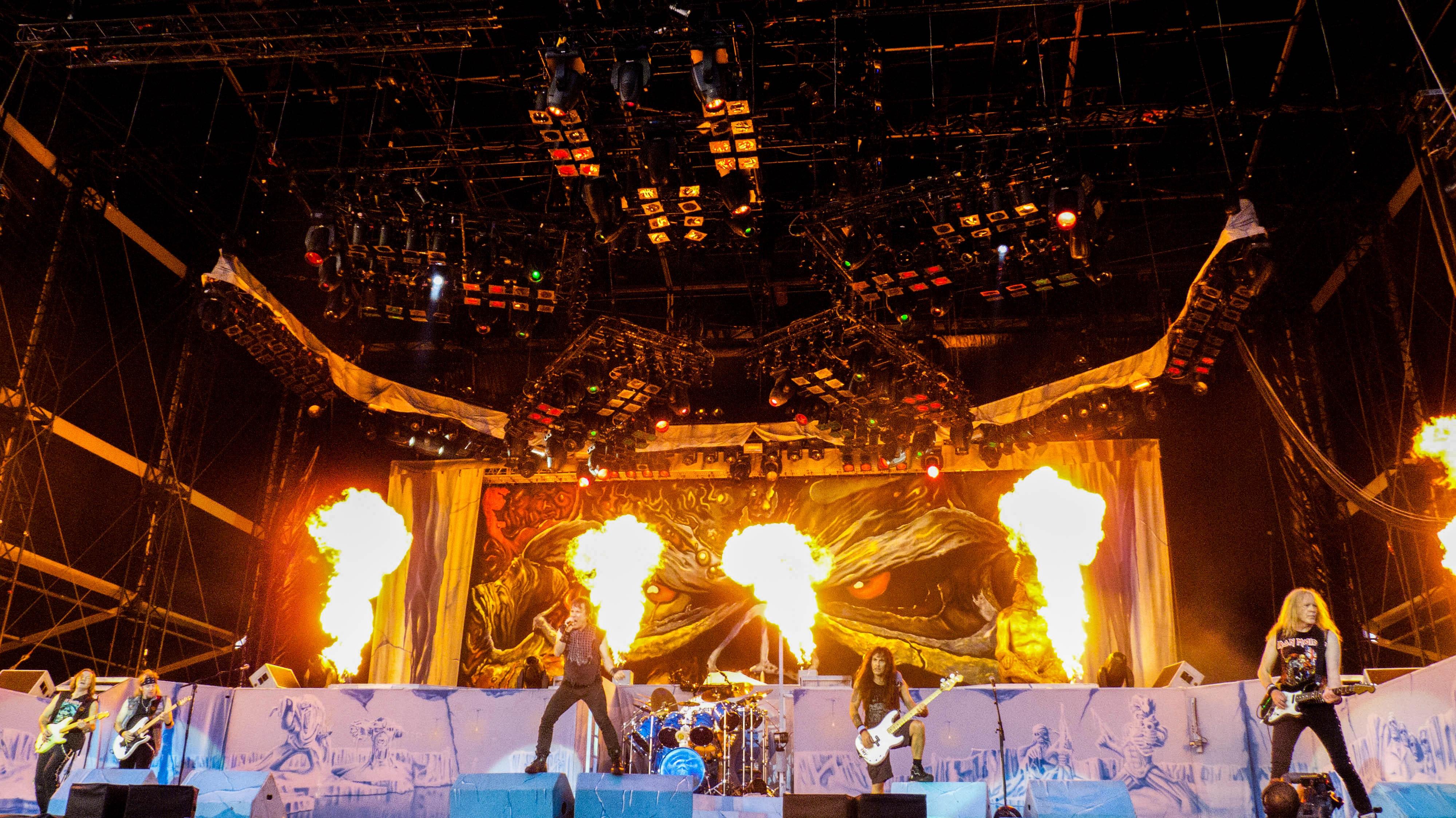 koncert heavymetalowy